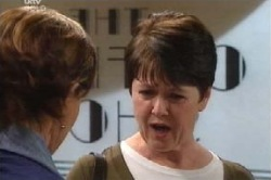 Susan Kennedy, Andrea Jeffries in Neighbours Episode 4590