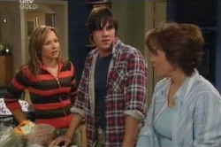 Steph Scully, Lyn Scully, Jack Scully in Neighbours Episode 4591
