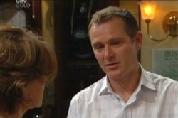 Lyn Scully, Max Hoyland in Neighbours Episode 4595