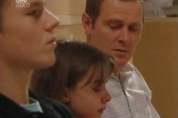 Boyd Hoyland, Summer Hoyland, Max Hoyland in Neighbours Episode 4597
