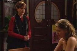 Susan Kennedy, Izzy Hoyland in Neighbours Episode 4602