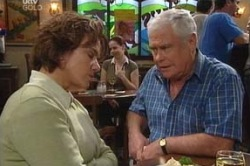 Lyn Scully, Lou Carpenter in Neighbours Episode 4606