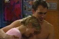 Sindi Watts, Stuart Parker in Neighbours Episode 4613