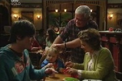 Jack Scully, Oscar Scully, Lou Carpenter, Lyn Scully in Neighbours Episode 4614