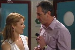 Izzy Hoyland, Karl Kennedy in Neighbours Episode 4619