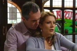 Karl Kennedy, Izzy Hoyland in Neighbours Episode 4620
