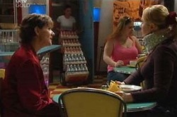 Susan Kennedy, Janelle Timmins in Neighbours Episode 4622