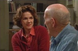 Lyn Scully, Charlie Cassidy in Neighbours Episode 4624