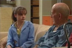 Summer Hoyland, Charlie Cassidy in Neighbours Episode 4624