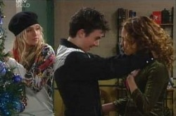 Sky Mangel, Stingray Timmins, Serena Bishop in Neighbours Episode 4626