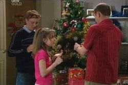 Boyd Hoyland, Summer Hoyland, Max Hoyland in Neighbours Episode 4626