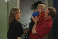Max Hoyland, Steph Scully, Oscar Scully in Neighbours Episode 4626