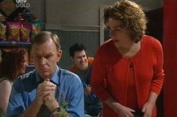 Lyn Scully, Michael Cassidy in Neighbours Episode 4646
