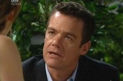 Izzy Hoyland, Paul Robinson in Neighbours Episode 4648