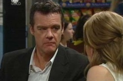 Paul Robinson, Izzy Hoyland in Neighbours Episode 4649