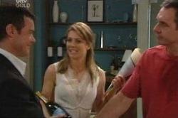Paul Robinson, Izzy Hoyland, Karl Kennedy in Neighbours Episode 4649