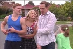 Boyd Hoyland, Steph Scully, Max Hoyland, Summer Hoyland in Neighbours Episode 4658