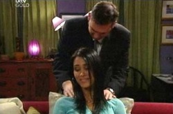 Frank Romano, Carmella Cammeniti in Neighbours Episode 4671