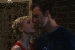 Sindi Watts, Stuart Parker in Neighbours Episode 4672