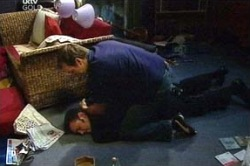 Frank Romano, Stuart Parker in Neighbours Episode 4672
