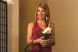 Izzy Hoyland in Neighbours Episode 4672
