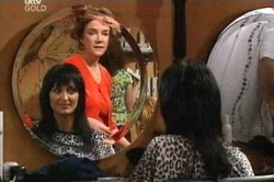 Sandy Tanner, Lyn Scully in Neighbours Episode 4674