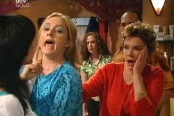 Janelle Timmins, Lyn Scully in Neighbours Episode 4674
