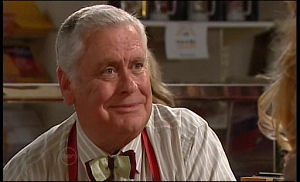 Lou Carpenter in Neighbours Episode 4770