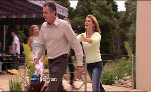 Karl Kennedy, Izzy Hoyland in Neighbours Episode 4772