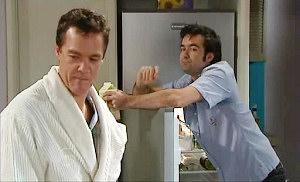 Paul Robinson, Gareth Peters in Neighbours Episode 4806