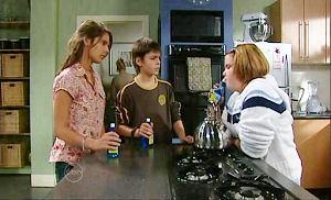 Rachel Kinski, Zeke Kinski, Bree Timmins in Neighbours Episode 4808