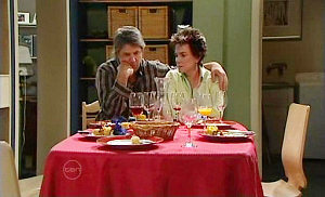 Joe Mangel, Lyn Scully in Neighbours Episode 4809
