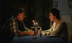 Joe Mangel, Lyn Scully in Neighbours Episode 4810
