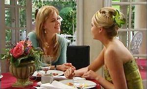 Elle Robinson, Sky Mangel in Neighbours Episode 4813