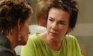 Susan Kennedy, Lyn Scully in Neighbours Episode 4814