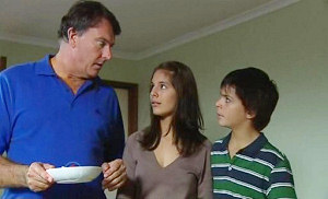 Alex Kinski, Rachel Kinski, Zeke Kinski in Neighbours Episode 4814