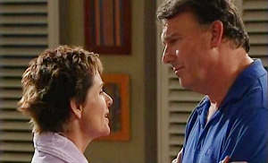Susan Kennedy, Alex Kinski in Neighbours Episode 4814