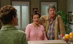 Susan Kennedy, Lyn Scully, Joe Mangel in Neighbours Episode 4815