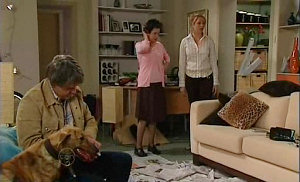 Bouncer 5, Joe Mangel, Lyn Scully, Janelle Timmins in Neighbours Episode 4815