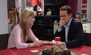 Elle Robinson, Paul Robinson in Neighbours Episode 4817