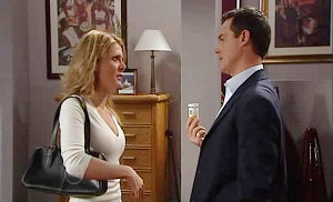 Izzy Hoyland, Paul Robinson in Neighbours Episode 4817