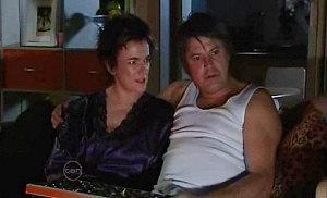 Lyn Scully, Joe Mangel in Neighbours Episode 4820