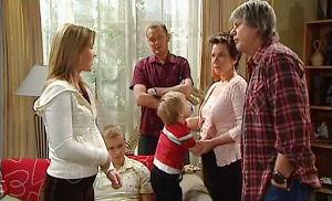 Joe Mangel, Lyn Scully, Oscar Scully, Max Hoyland, Boyd Hoyland, Steph Scully in Neighbours Episode 4820