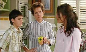 Zeke Kinski, Susan Kennedy, Rachel Kinski in Neighbours Episode 4820
