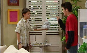 Stingray Timmins, Zeke Kinski in Neighbours Episode 4820