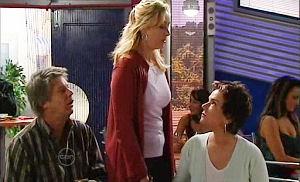 Joe Mangel, Janelle Timmins, Lyn Scully in Neighbours Episode 4822