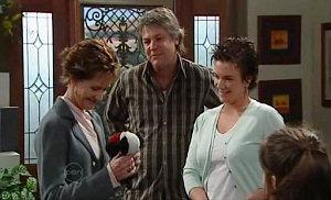 Susan Kennedy, Joe Mangel, Lyn Scully in Neighbours Episode 4822