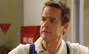 Paul Robinson in Neighbours Episode 4825