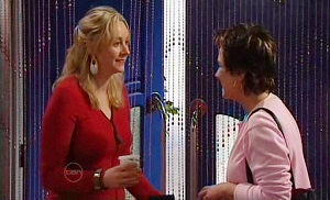 Janelle Timmins, Lyn Scully in Neighbours Episode 4825