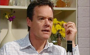 Paul Robinson in Neighbours Episode 4829